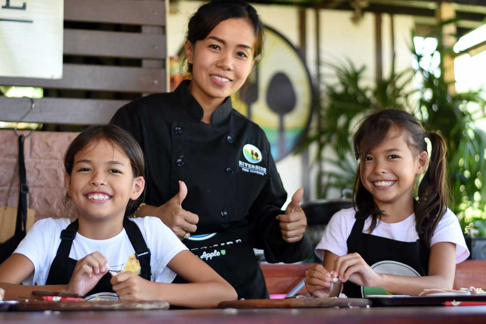 Kids enjoying my Thai cooking class